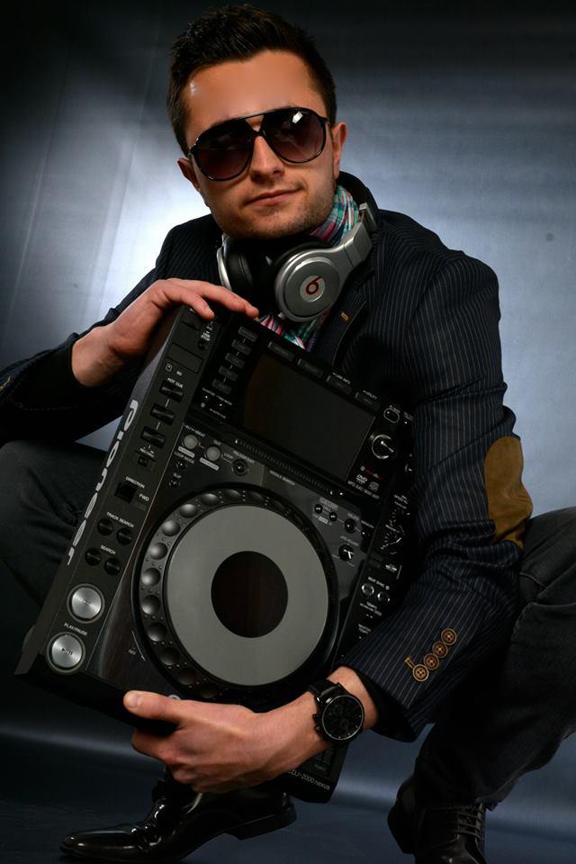 Naduavig DJ de prestige haut de gamme Booking Paca Vaucluse Ap Avignon St tropez Monaco Nice